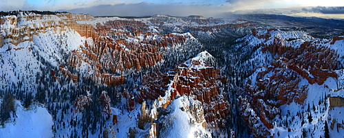 Bryce Canyon from Bryce Point, Bryce Canyon National Park, Utah, United States of America, North America