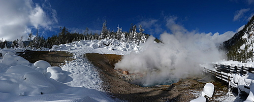Beryl Spring, Yellowstone National Park, Wyoming, United States of America, North America