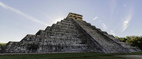 The Mayan Ruins of Chichen Itza, UNESCO World Heritage Site, Chichen Itza, Yucatan, Mexico, North America