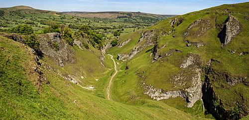 Cave Dale, limestone valley behind Castleton, Peak District National Park, Derbyshire, England, United Kingdom, Europe - 29-5608