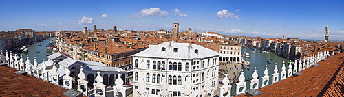 Panoramic view of the Grand Canal from the terrace of the Fondaco dei Tedeschi, Venice, UNESCO World Heritage Site, Veneto, Italy, Europe