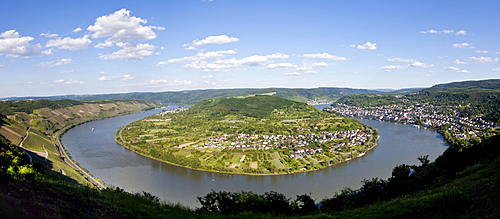 Meander or bend of the Rhine River at Boppard, left, Boppard, Rhein-Hunsrueck-Kreis district, Rhineland-Palatinate, Germany, Europe