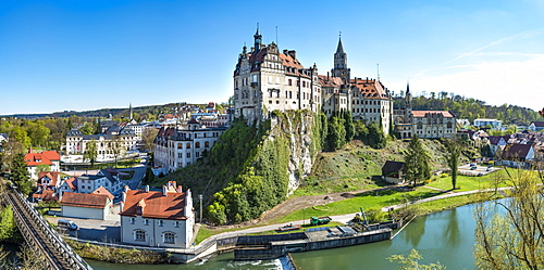 Sigmaringen Castle with Danube, Sigmaringen, Baden-Wurttemberg, Germany, Europe