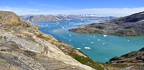 Johan Petersen Fjord, kleine Eisberge, bei Sammileq, East Greenland, Greenland, North America