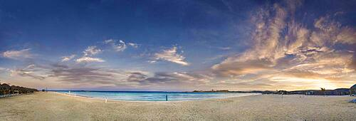 Sandy beach beach and coral reef Abu-Dabbab at sunset, Hilton Nubian Resort, Al Qusair, Marsa Alam, Egypt, Africa