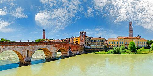 River Adige with city view and the stone bridge Ponte Pietra, Verona, Veneto, Italy, Europe