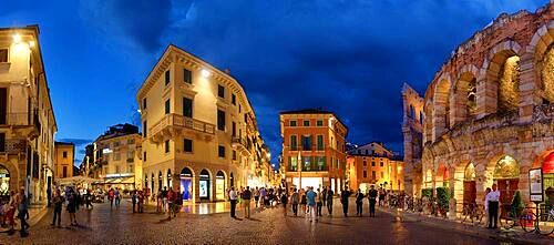 Piazza Bra with Roman amphitheatres Arena di Verona in the evening, Piazza Bra, Verona, Veneto, Italy, Europe