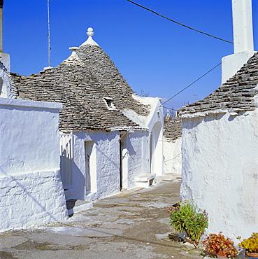 Alberobello, typical Trulli houses, Puglia (Apulia), Italy