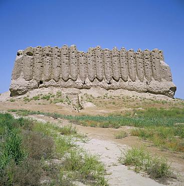 Kiz-Kala fortress, dating from the 6th century AD, Old Merv, UNESCO World Heritage Site, Turkmenia, Turkmenistan, Central Asia, Asia