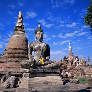 Wat Mahathat, Sukhothai, UNESCO World Heritage Site, Thailand, Southeast Asia, Asia