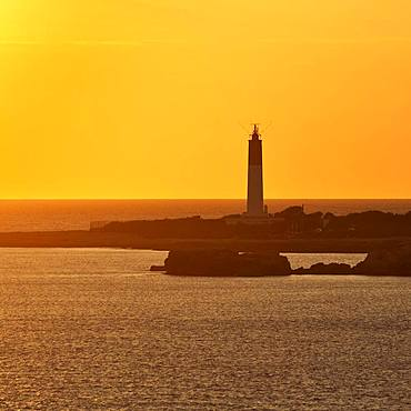 Evening atmosphere at the lighthouse, Cap Couronne, Cote Bleue, Bouches-du-Rhone, Provence-Alpes-Cote d'Azur, France, Europe