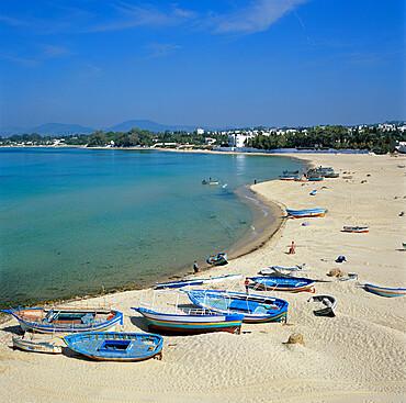 View along beach from the Medina walls, Hammamet, Cap Bon, Tunisia, North Africa, Africa