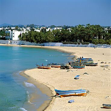 View over beach from the Medina, Hammamet, Cap Bon, Tunisia, North Africa, Africa