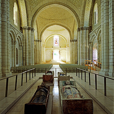 Nave of Abbey Church with effigies of Plantagenet monarchs, Fontevraud Abbey (Fontevraud-l'Abbaye), Loire Valley, Anjou, France, Europe
