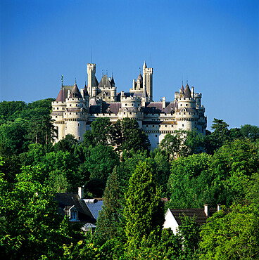 The medieval chateau, Pierrefonds, Picardy, France, Europe