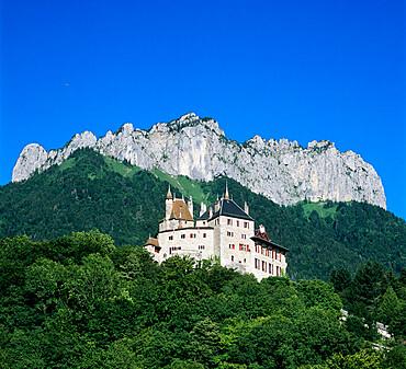 Chateau de Menthon, Menthon St. Bernard, near Annecy, Lake Annecy, Rhone Alpes, France, Europe