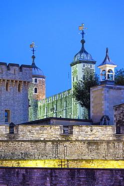 The Tower of London illuminated at night, UNESCO World Heritage Site, London, England, United Kingdom, Europe