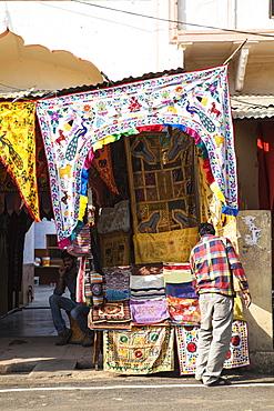 Bazaar shops, Pushkar, Rajasthan, India, Asia
