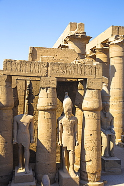 The First Court, Luxor Temple, UNESCO World Heritage Site, Luxor, Egypt, North Africa, Africa