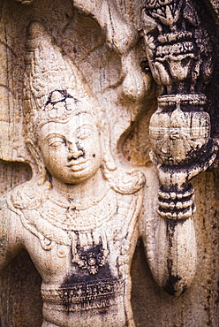 Stone guardian statue, Vatadage (Circular Relic House), Polonnaruwa Quadrangle, UNESCO World Heritage Site, Sri Lanka, Asia