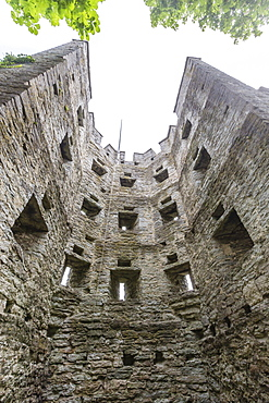 View the original wall around the town of Visby, UNESCO World Heritage Site, Gotland Island, Sweden, Scandinavia, Europe