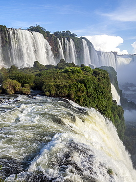 View of Iguacu Falls (Cataratas do Iguacu), UNESCO World Heritage Site, from the Brazilian side, Parana, Brazil, South America