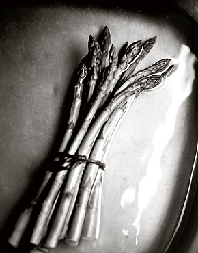 Asparagus in a water basin, Vegetables, Food, Nutrition