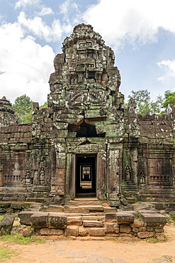 Stone entrance portico at Ta Som temple, Angkor Wat, Siem Reap, Siem Reap Province, Cambodia