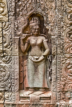 Bas-relief figure on wall with carved patterns, Ta Som, Angkor Wat, Siem Reap, Siem Reap Province, Cambodia