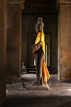 Angkor Wat Buddha statue dressed in gold, Siem Reap, Siem Reap Province, Cambodia