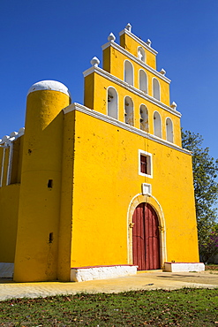 Church of San Pedro Apostol, founded in the seventeenth century, Tekal de Venegas, Yucatan, Mexico