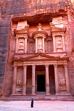 The Treasury, Petra, UNESCO World Heritage Site, Jordan, Middle East