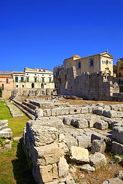 Ruins of Temple of Apollo, Ortygia, Syracuse, Sicily, Italy, Europe