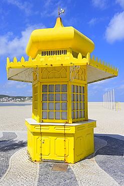 Colourful yellow kiosk, Foz de Arelho, Leiria district, Portugal, Europe