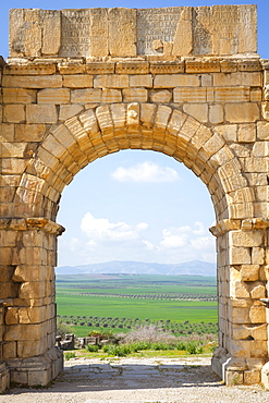 The Arch of Caracalla, Volubilis, UNESCO World Heritage Site, Morocco, North Africa, Africa