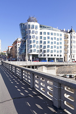 Dancing House (Ginger and Fred) by Frank Gehry, Prague, Bohemia, Czech Republic, Europe