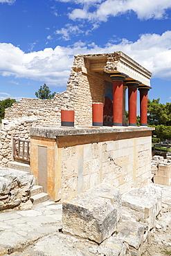 Minoan Palace, Palace of Knossos, North Entrance, Iraklion (Heraklion) (Iraklio), Crete, Greek Islands, Greece, Europe