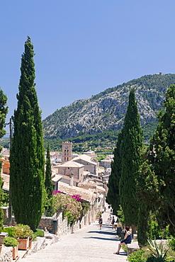 Stairway to calvary,  behind Monastery on Puig de Maria Mountain, Pollenca, Majorca (Mallorca), Balearic Islands (Islas Baleares), Spain, Mediterranean, Europe