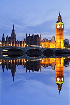 Big Ben and the Houses of Parliament, UNESCO World Heritage Site, and Westminster Bridge reflected in the River Thames, London, England, United Kingdom, Europe