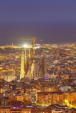 Barcelona skyline with Sagrada Familia, by architect Antonio Gaudi, UNESCO World Heritage Site, Barcelona, Catalonia, Spain, Europe
