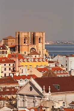 Se Cathedral at sunset, Alfama, Lisbon, Portugal, Europe