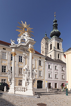 Square in front of the Town Hall with Nepomuk Column, Krems, Wachau, Lower Austria, Europe