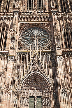 Rose window, west gate, Strasbourg Cathedral Notre Dame, UNESCO World Heritage Site, Strasbourg, Alsace, France, Europe