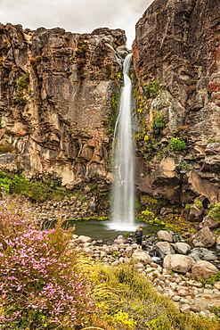 Taranaki Falls, Tongariro National Park, UNESCO World Heritage Site, North Island, New Zealand, Pacific