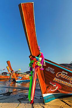 Longtail boats on Ao Ton Sai beach, Ko Phi Phi Don, Krabi, Thailand, Southeast Asia, Asia