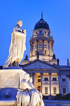Franzosicher Dom (French Cathedral) and Schiller Monument, Gendarmenmarkt, Mitte, Berlin, Germany, Europe