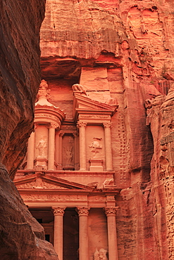 The Treasury (Al-Khazneh), seen from the Siq, Petra, UNESCO World Heritage Site, Jordan, Middle East