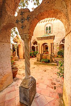 Cloister, stunning Garden of Villa Cimbrone, Ravello, Amalfi Coast, UNESCO World Heritage Site, Campania, Italy, Europe