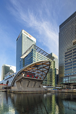 View of Norman Foster's Crossrail station in the Canary Wharf financial and business district, Docklands, Isle of Dogs, Tower Hamlets, London, England, United Kingdom, Europe