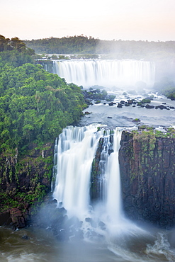 View of the Iguassu waterfalls and river, Iguazu Falls (Foz de Iguacu), UNESCO World Heritage Site, Parana, Brazil, South America